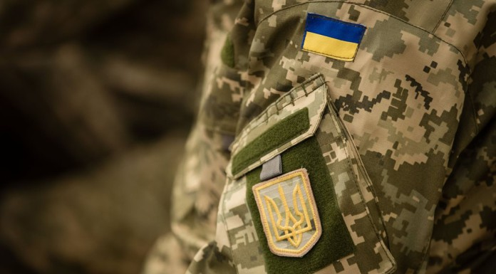 В Колпино задержали мужчину с гранатометом в украинской военной форме
