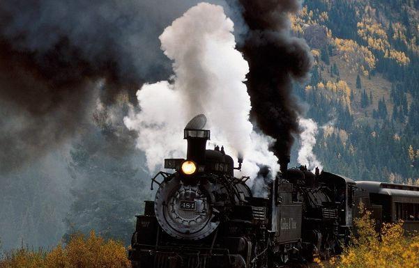 Туристические ретропоезда будут ходить из Петербурга в Петергоф и Гатчину