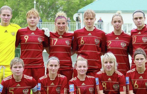 найти женский футбол в спб