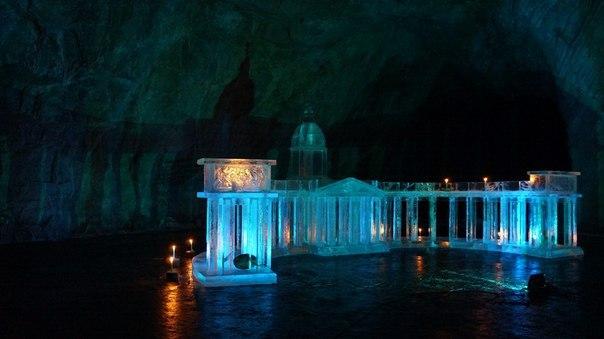 Большой ледяной Казанский собор возвели под сводами мраморного карьера