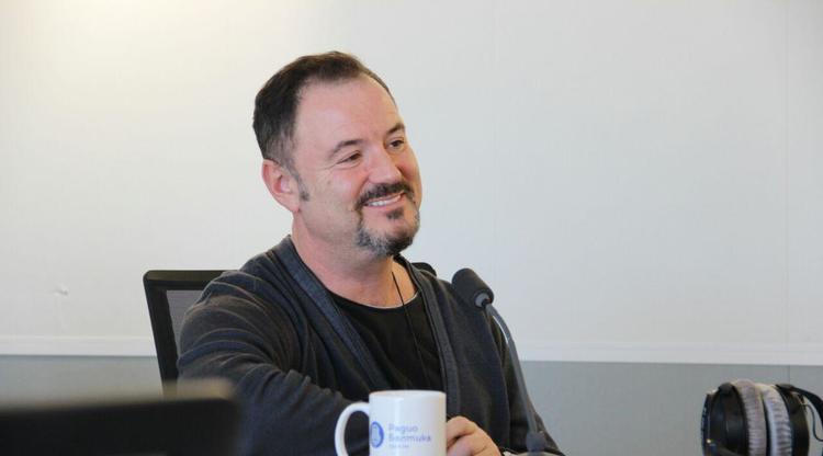 Максим Леонидов интервью: Мне уже неинтересно петь Элвиса Пресли