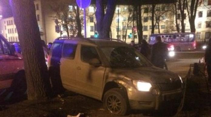 На проспекте Стачек водитель потерял сознание и сбил четырёх пешеходов