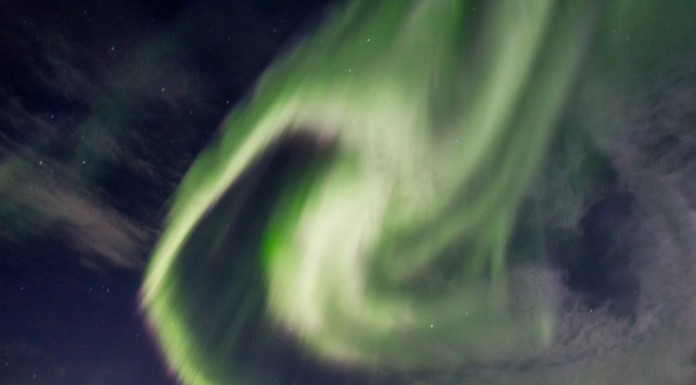 Небо над Петербургом из-за магнитной бури озарит полярное сияние